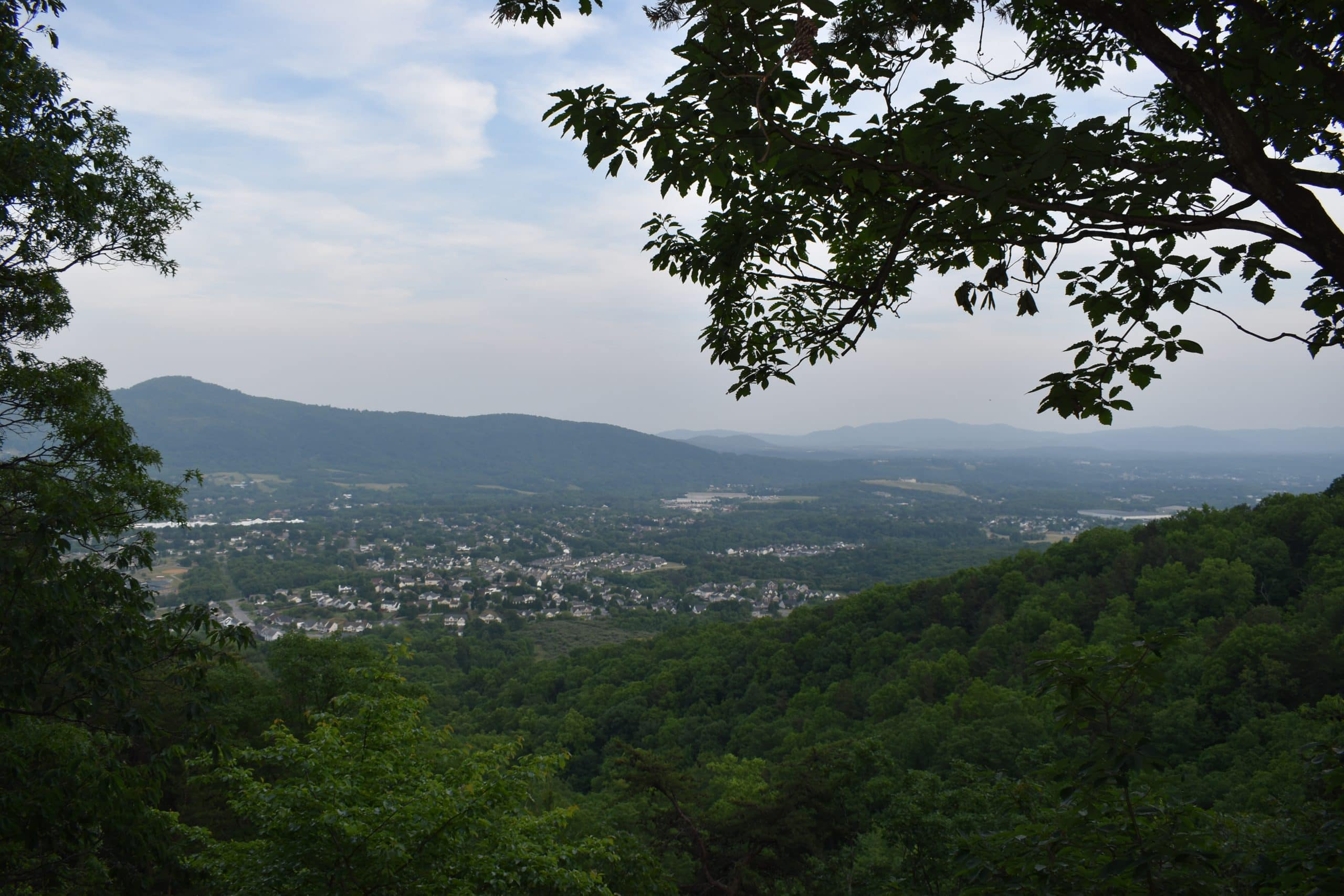 Read Mountain Hike Va - Yoanoke - South Overlook