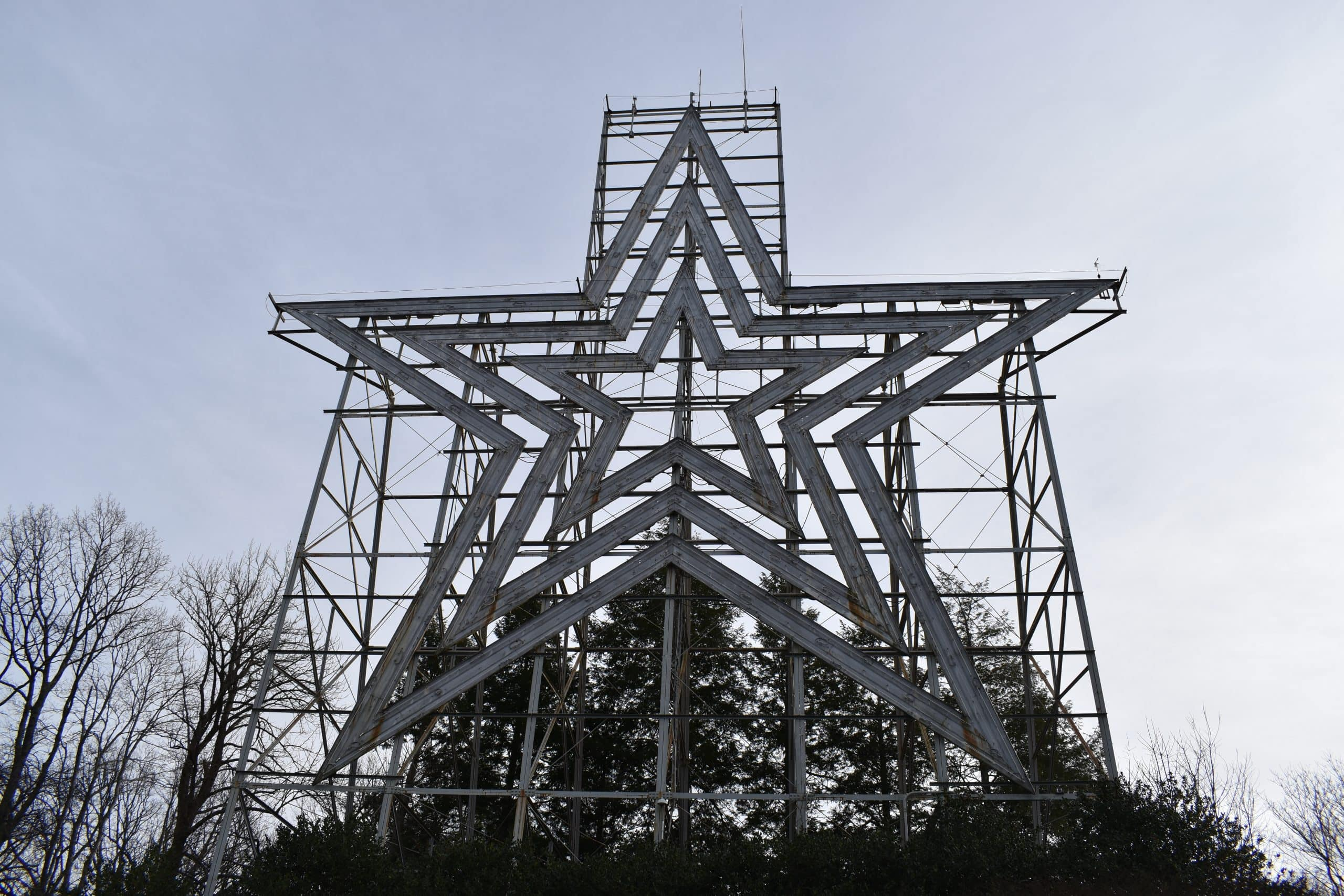 Mill Mountain Star Close scaled