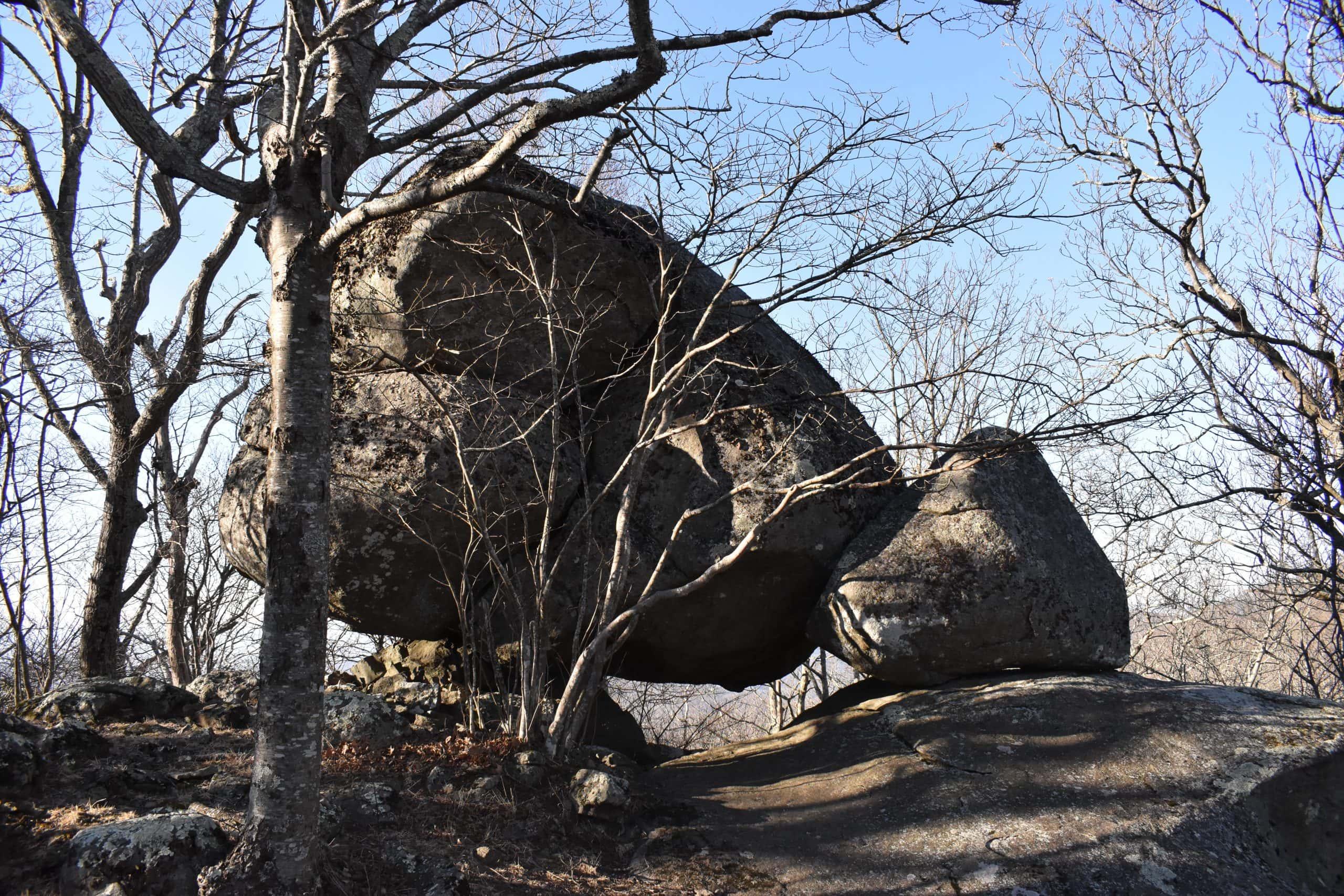 Sharp Top Trail Va - Yoanoke - Balancing Rocks